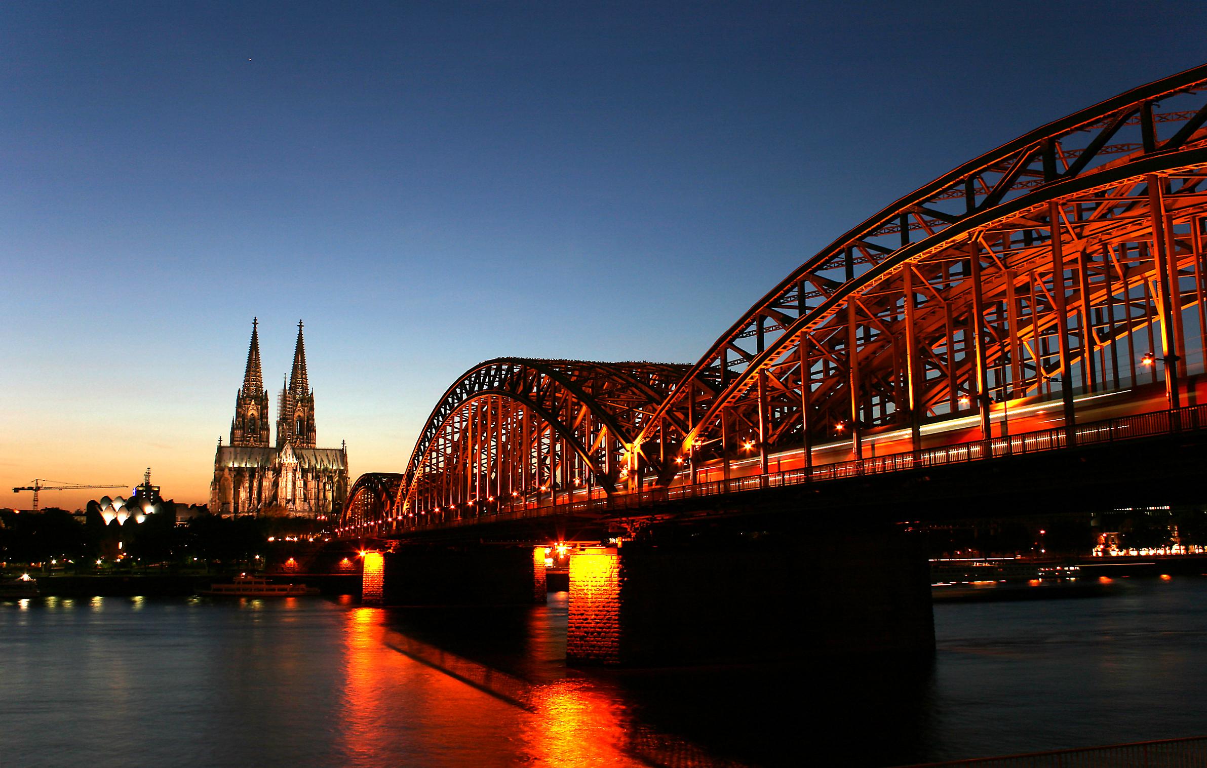 Ferrovia e Catedral, Colônia, Alemanha