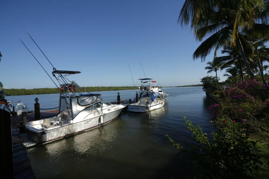 O acesso à ilha é feito de barco a partir do Povoado de Comandatuba. O trajeto dura 10 minutos