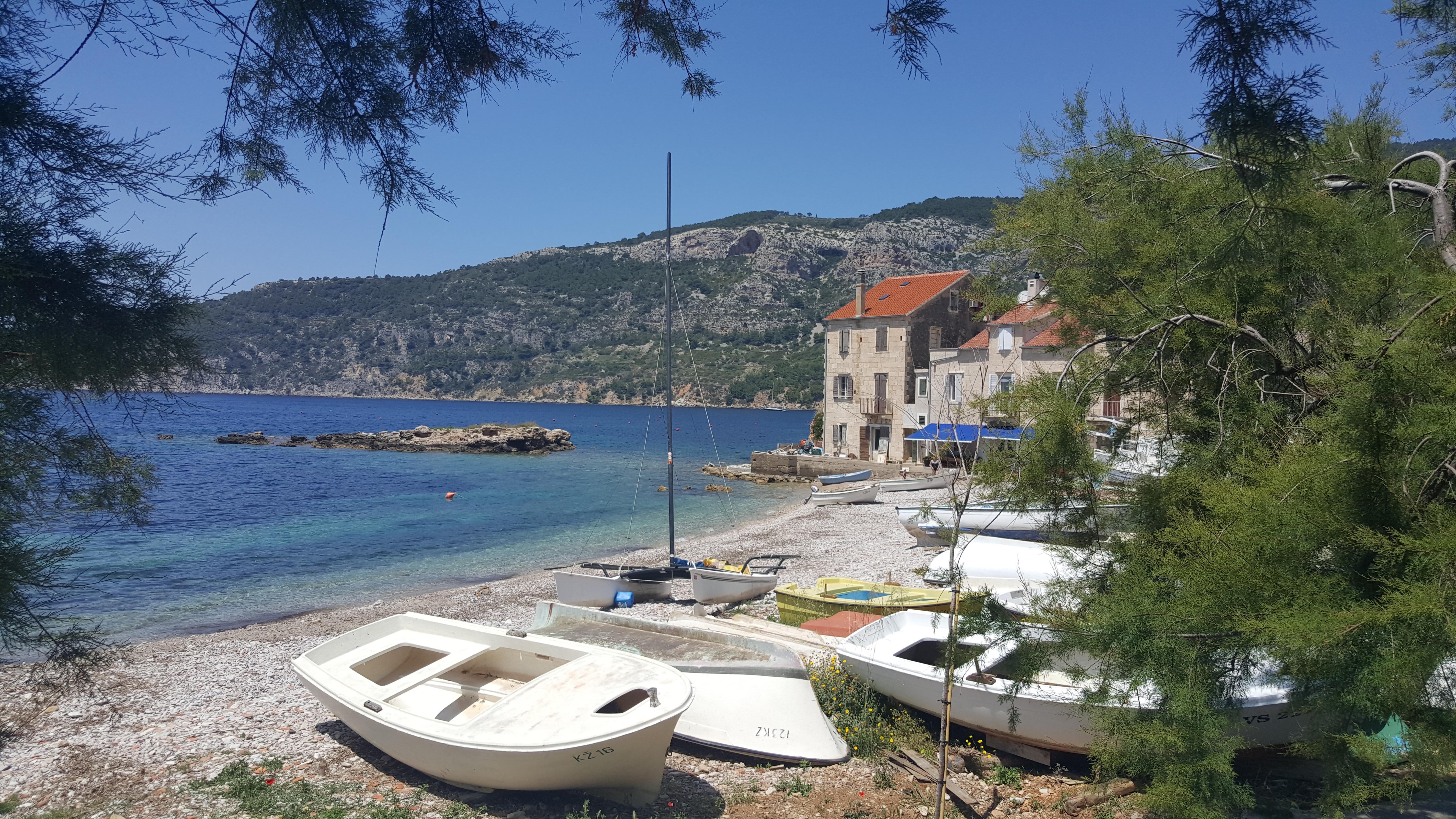 Vis, que ainda mantém o seu jeitinho low profile e tranquilo, foi o meu destino preferido na Croácia