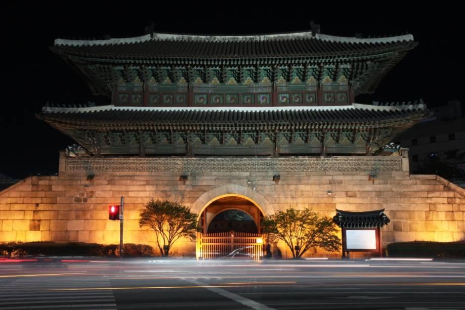 Portão Dongdaemun, o símbolo da cidade de Seul