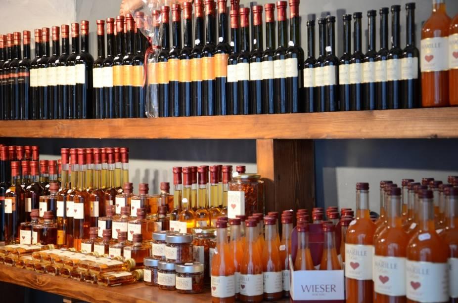 Ao longo da região do Wachau encontram-se dezenas de pequenas lojas que vendem tentadores produtos artesanais como geléias, compotas e os refrescantes vinhos brancos da Baixa Áustria
