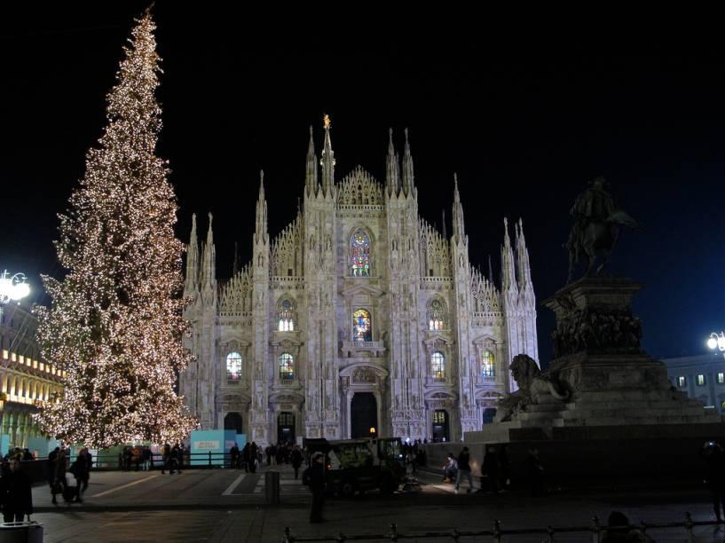 Fachada do Duomo de Milão, que serviu de inspiração para uma famosa marca de panetones
