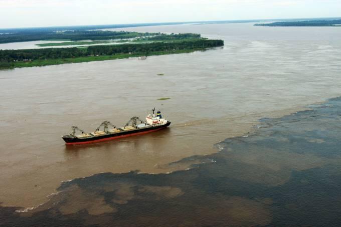 Encontro das Águas do Rio Negro com o Rio Solimões (AM)