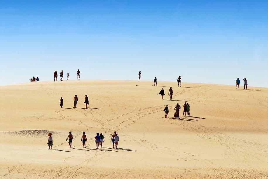 Com areia fina, dunas de até 30 m de altura e praias selvagens, Itaúnas, em Conceição da Barra (ES), é palco de festivais de forró que atraem muitos jovens de outros estados