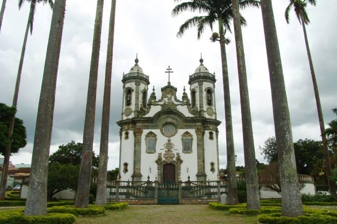 Aos domingos, há missa com música barroca na Igreja São Francisco de Assis – São João del Rei (MG)