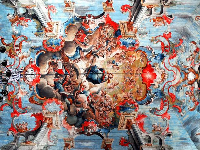 Teto da Igreja de São Francisco de Assis pintado por Ataíde Manoel da Costa e Aredes, com talha de Aleijadinho no estilo Barroco Português, Ouro Preto (MG)