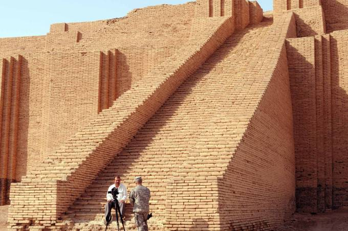 Mad Adders on the Ziggurat: Army public affairs visits Iraq's oldest historical site