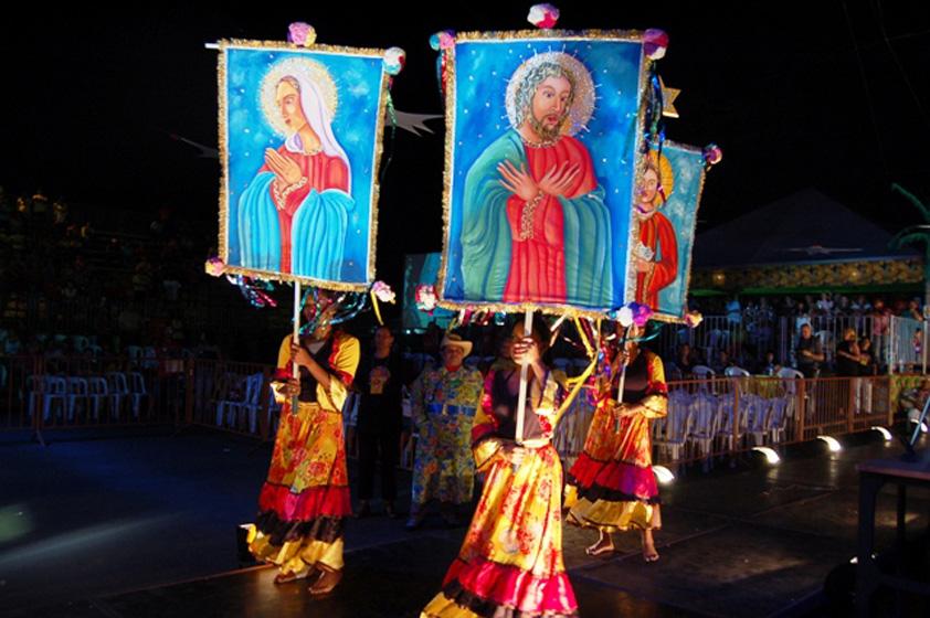 Evento tradicional da cultura popular mato-grossense, o Festival Cururu Siriri promove espetáculos de música e dança em Cuiabá (MT)