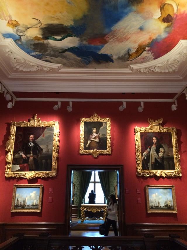 Toda a pompa do interior do Mauritshuis, construído por Maurício de Nassau
