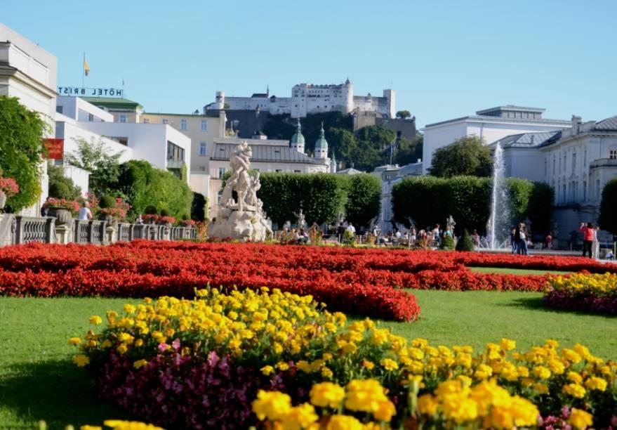 A compacta Salzburgo apresenta atrações populares como os jardins do palácio Mirabel e, no alto da colina, o Festung Hohensalzburg, o seu imponente castelo