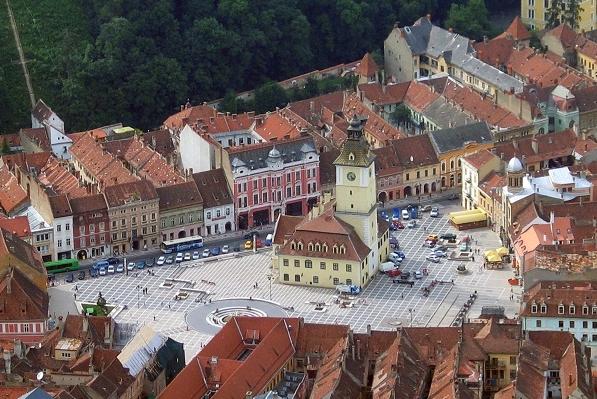 A praça central de Brasov: uma belezinha