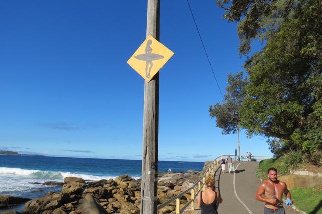 A pista de corrida/caminhada que vai beirando a praia
