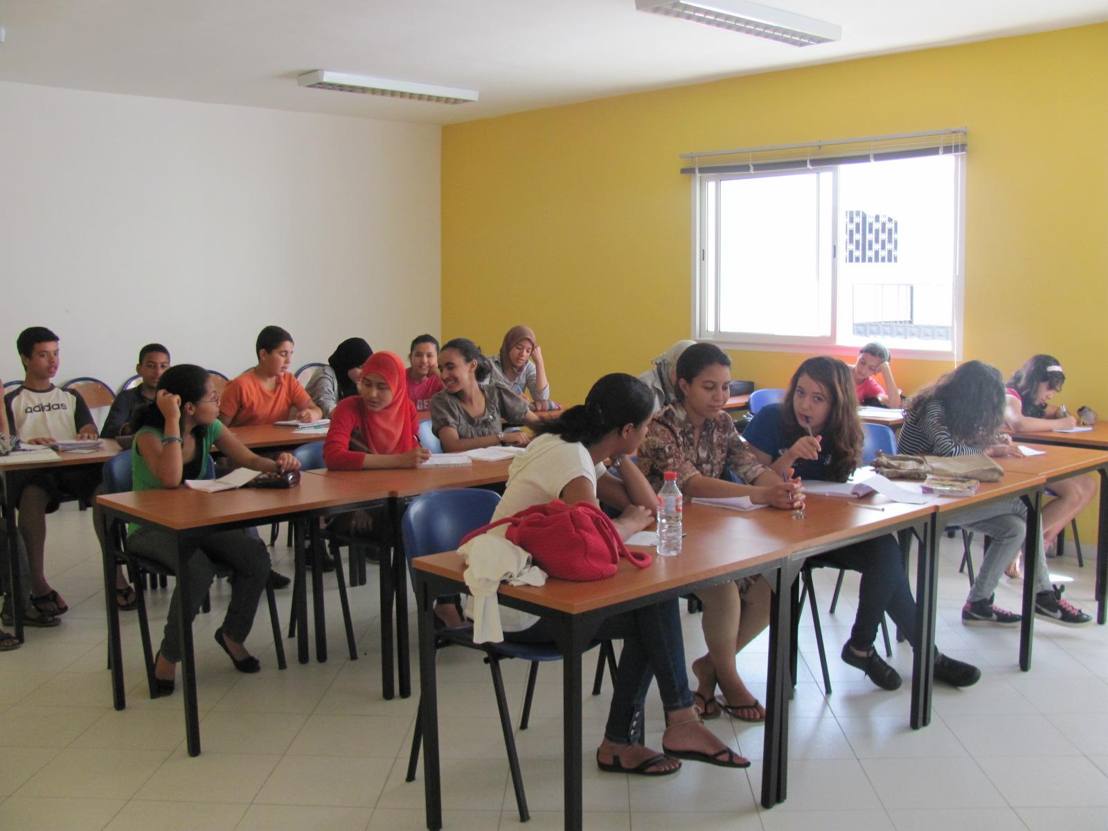 Sala de aula da ONG Amal Sale, intercâmbio de trabalho voluntário