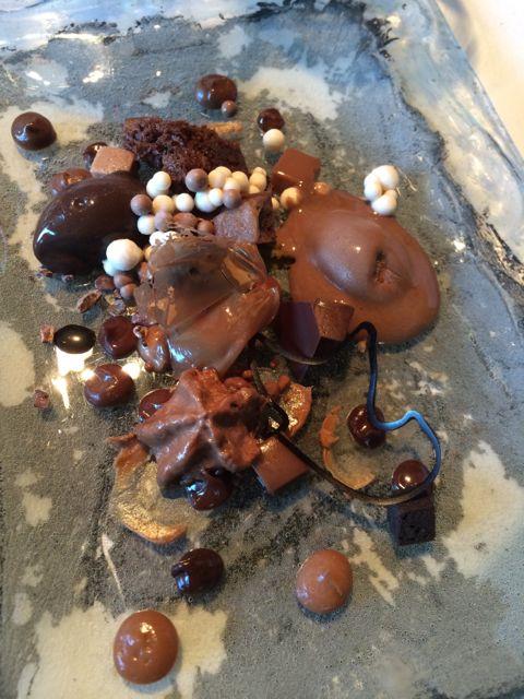 """Anarquia de chocolate, com bolinhas que """"fervem"""" na boca"""