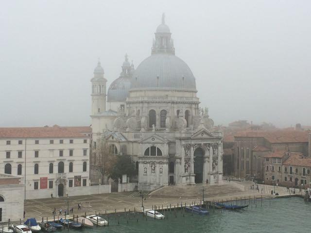 Vista da minha janela numa manhã de neblina