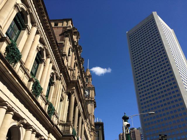 O antigo e o novo se encontram no skyline
