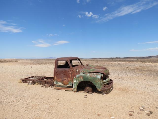 Isso é o que você teme que aconteça com você caso o seu carro quebre no deserto da Namíbia, onde você dirige centenas de quilômetros sem cruzar com um ser humano (mas pensa positivo e se joga!)