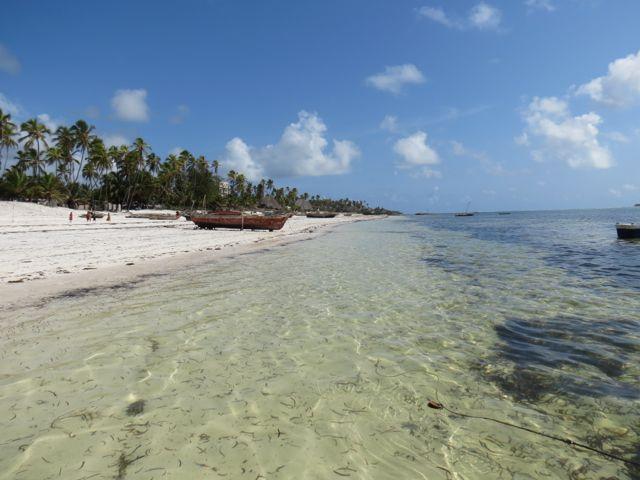 A praia de Matemwe