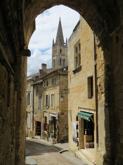 Sainte-Emilion: a meia hora de Bordeaux (ida e volta por € 18,50!)