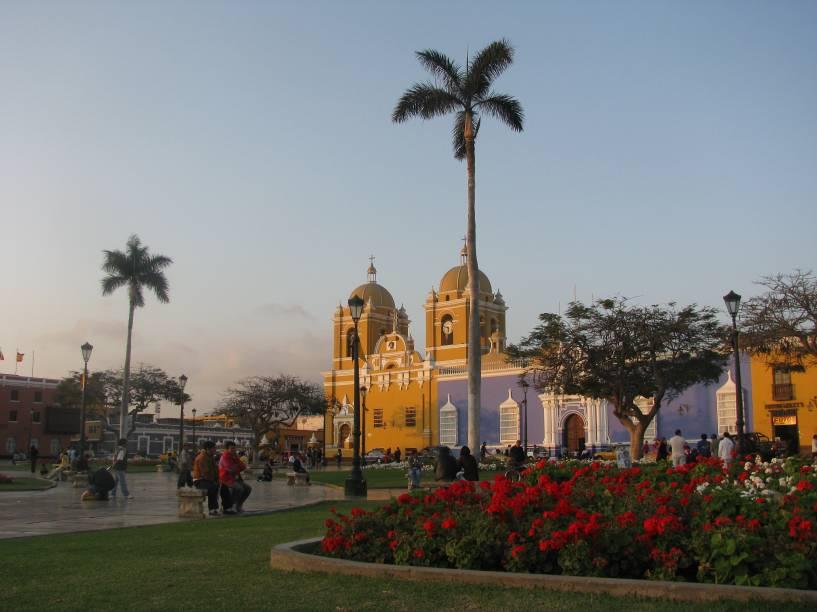 Plaza de Armas de Trujillo, capital de La Libertad, norte do Peru