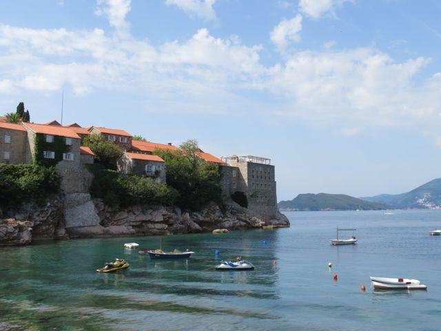 O mar e um pedacinho da ilha do hotel: dá pra amar até de longe