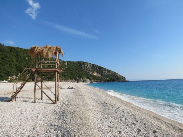 """Fim de verão em Dhermi, a praia mais """"badalada"""" da Albânia: cadê todo mundo?"""
