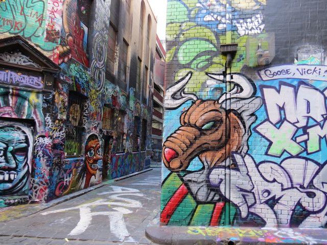 """Hosier Lane, um dos """"becos do Batman"""" de Melbourne"""