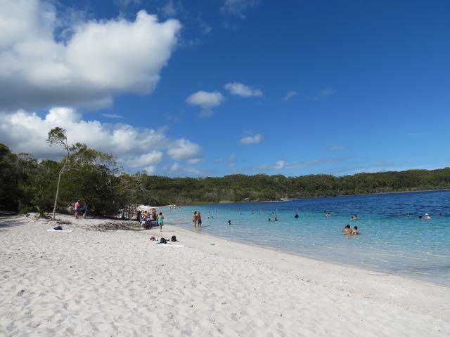 O lago é apenas um dos 100 em Fraser Island...
