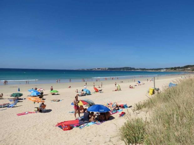 Playa de la Lanzada no auge do verão e da alta temporada