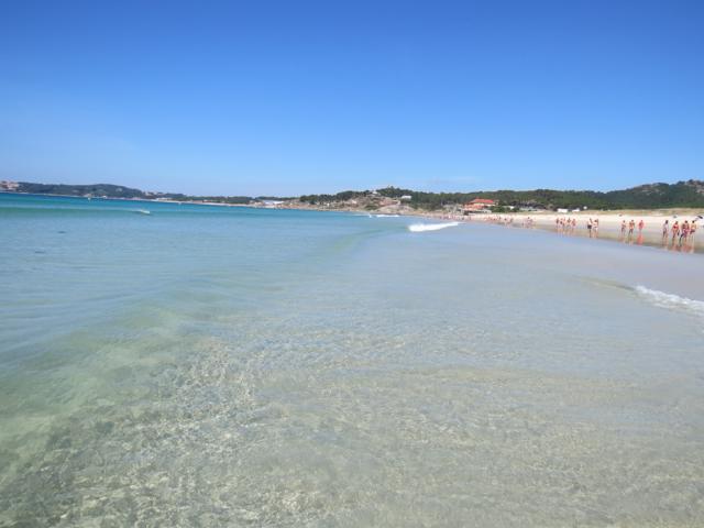 O mar cristalino (e frio) da Galícia