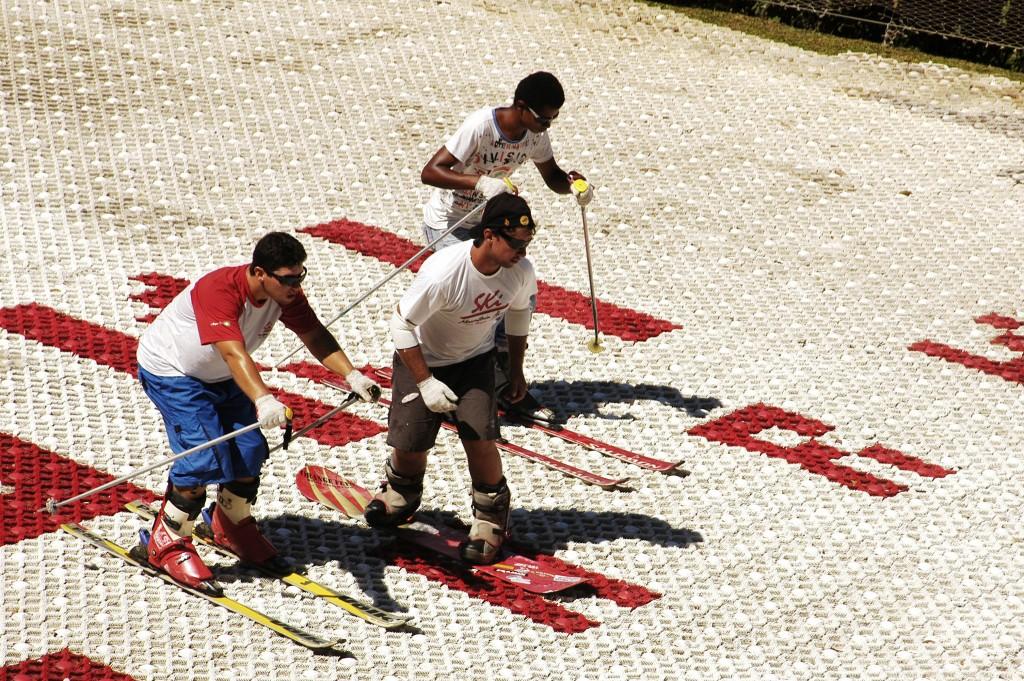 Tem esqui até no sol / Eduardo Albarello