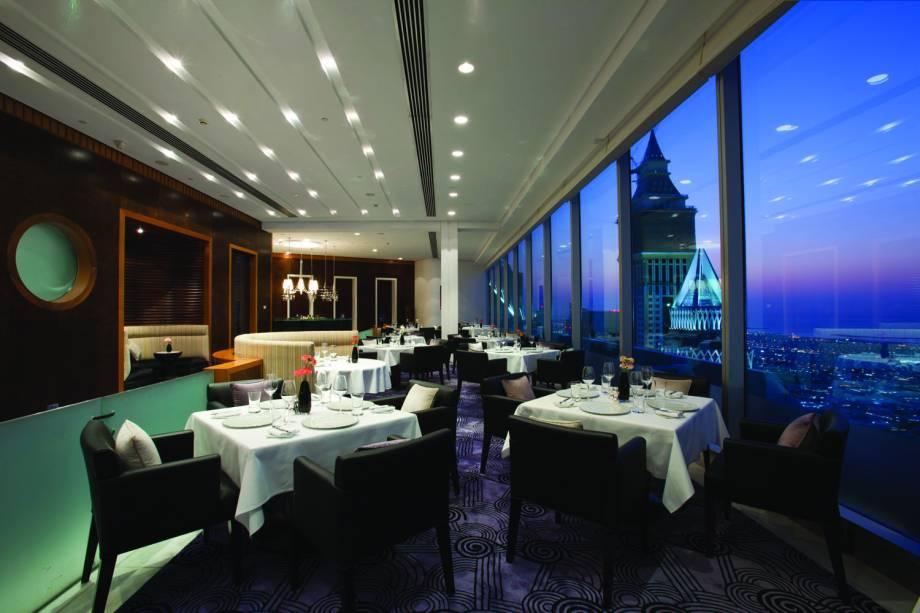"""Restaurante Vus, Jumeirah Emirates Towers, <a href=""""http://viajeaqui.abril.com.br/cidades/emirados-arabes-unidos-dubai"""" rel=""""Dubai"""" target=""""_blank"""">Dubai</a>"""