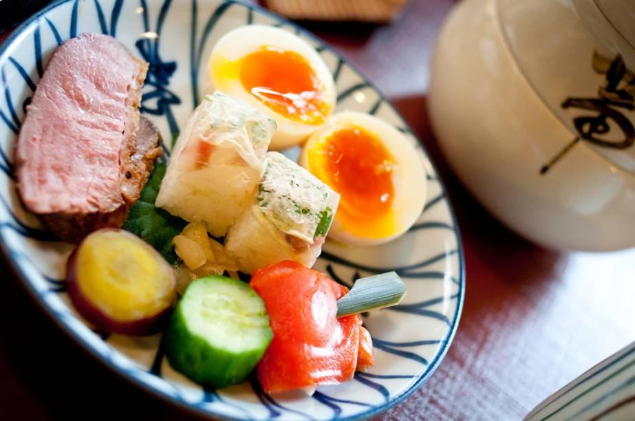Até um simples brunch em Kyoto pode vir com os preceitos dos banquetes kaiseki