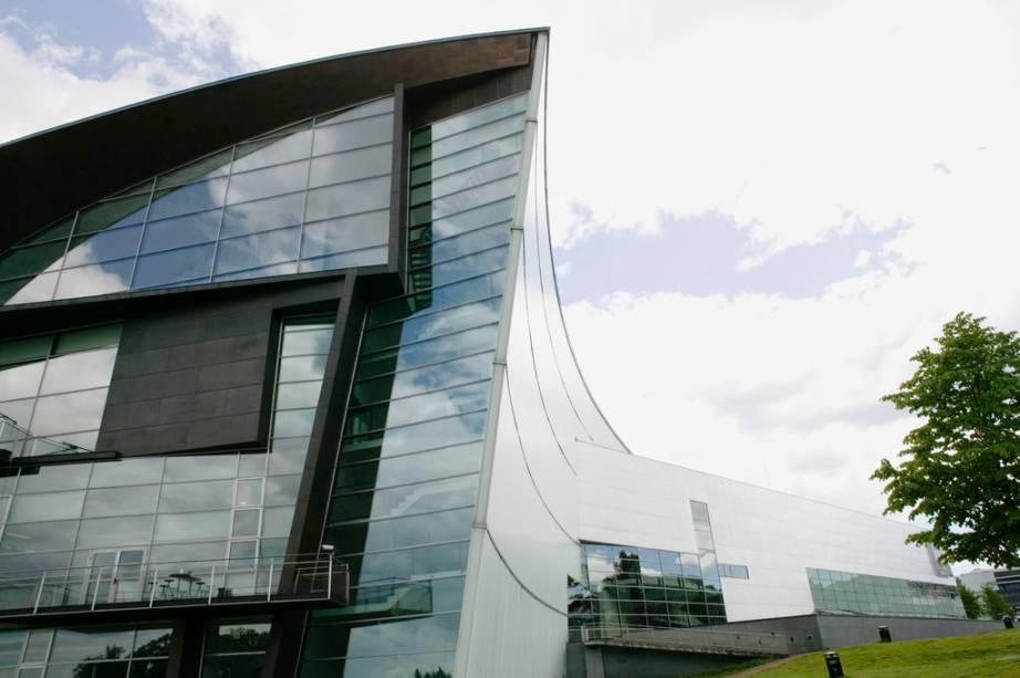 Museu de Arte Contemporânea de Helsinque, o Kiasma, um projeto do arquiteto Steven Holl