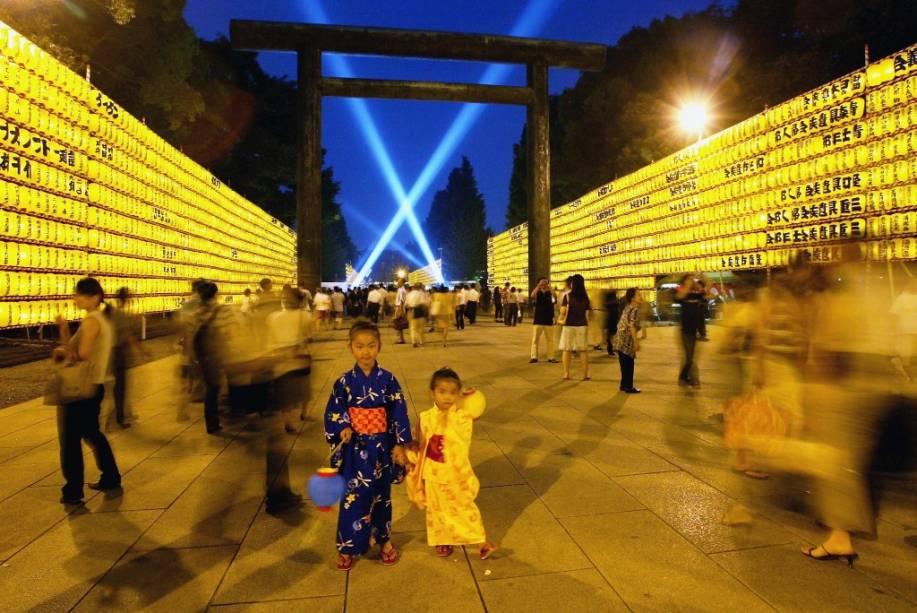 Festivais de verão são muito populares no Japão e Tóquio (aqui, no templo Sensoji) não é exceção