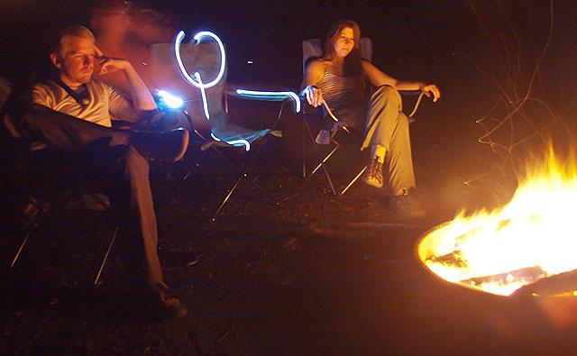 Se você conhecer pessoas legais, pode fazer uma sessão de fotos com as lanternas da galera do hostel (Foto: Creative Commons / Flickr / jasonpratt)