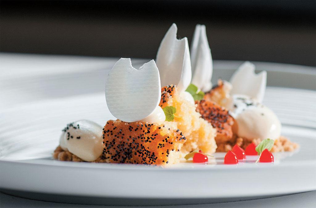 O bolo de limão com merengue do Pied à Terre, restaurante com uma estrela no Michelin, em Londres, Inglaterra