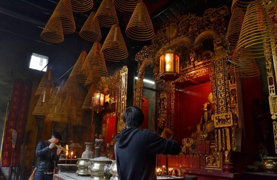 Além da herança portuguesa e dos casinos modernos, Macau tem ainda uma terceira face: a chinesa. A cidade tem inúmeros templos típicos, como o Templo Kuan Tai.