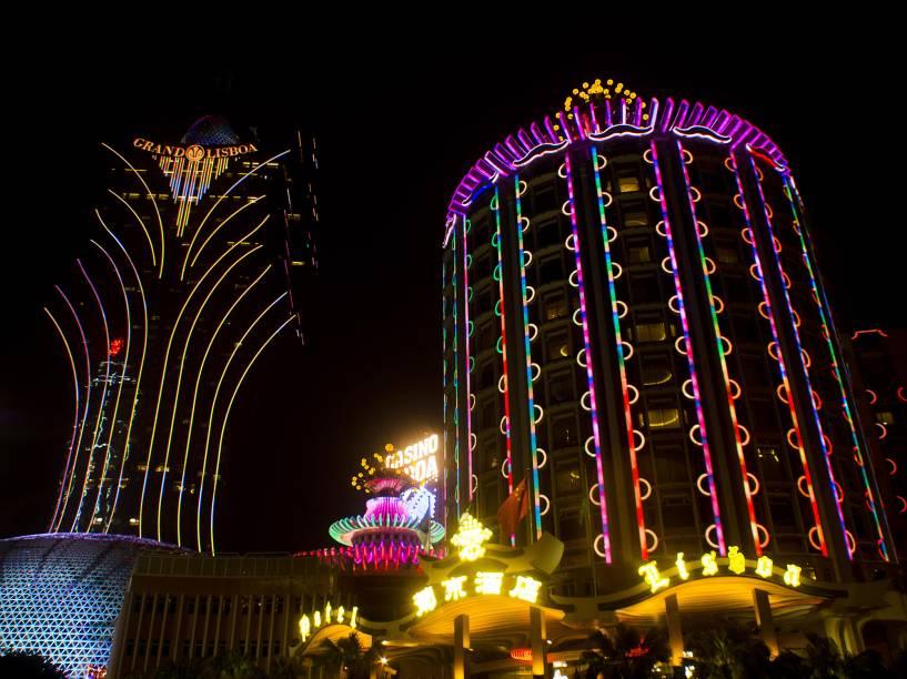 A cidade é hoje um dos maiores mercados globais dos jogos de azar. Suas dezenas de cassinos faturam tanto quanto seus equivalentes de Las Vegas, com a vantagem de possuir uma lucratividade muito maior
