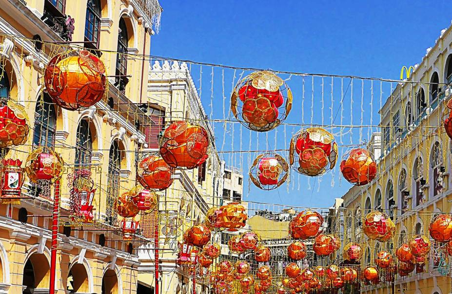 Decorações do Ano Novo Chinês, no Largo do Senado.