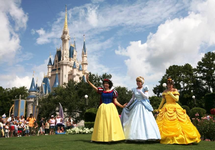 Branca de Neve, Cinderela e a Bela no Magic Kingdom