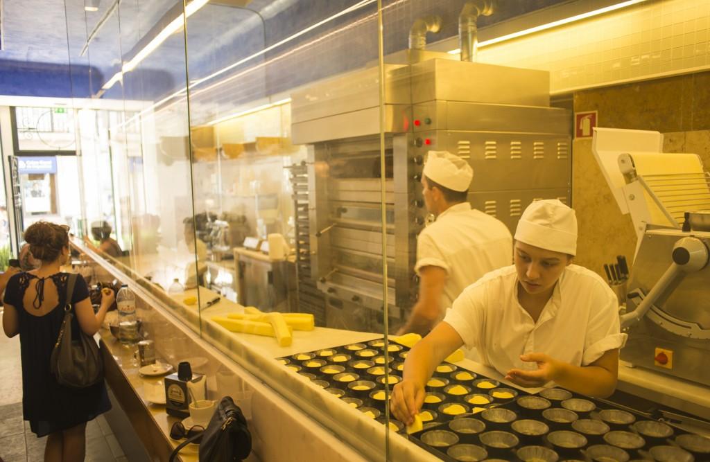 Na Manteigaria você come um e vê outros saindo do forno