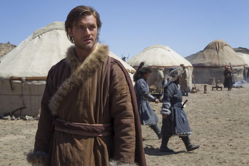 Marco Polo (Lorenzo Richelmy) em cena
