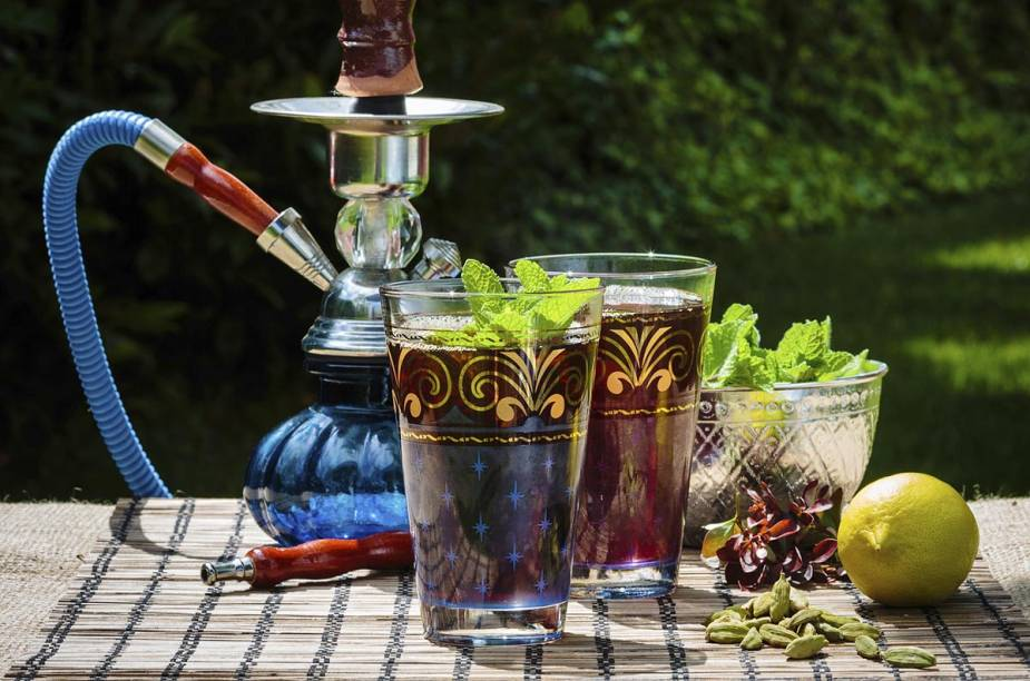 Chá de hortelã, pistache e narguile fazem parte da rotina dos marroquinos