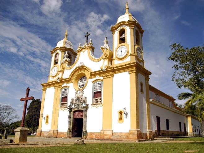 Com esculturas na fachada atribuídas a Aleijadinho, a Igreja Matriz de Santo Antônio, em Tiradentes (MG), é uma das mais ricas manifestações do barroco brasileiro