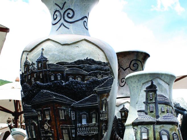 Artesanato em pedra sabão, item quase obrigatório para quem visita as cidades históricas de Minas Gerais