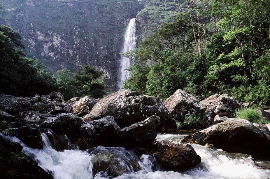 Conhecer a Cachoeira Casca DAnta (186 m) e as outras belezas da Serra da Canastra (MG) é um passeio e tanto para quem tem espírito de aventura na veia.
