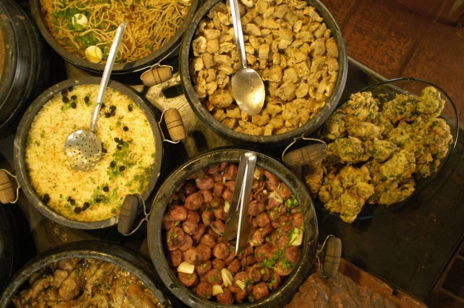 Comida mineira servida no Restaurante Rancho, em Mariana (MG)
