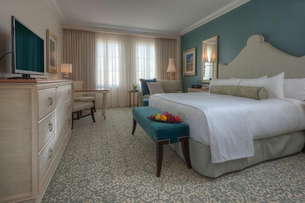 Quarto dos adultos na suíte Minions (Foto: Loews Portofino Bay Hotel)