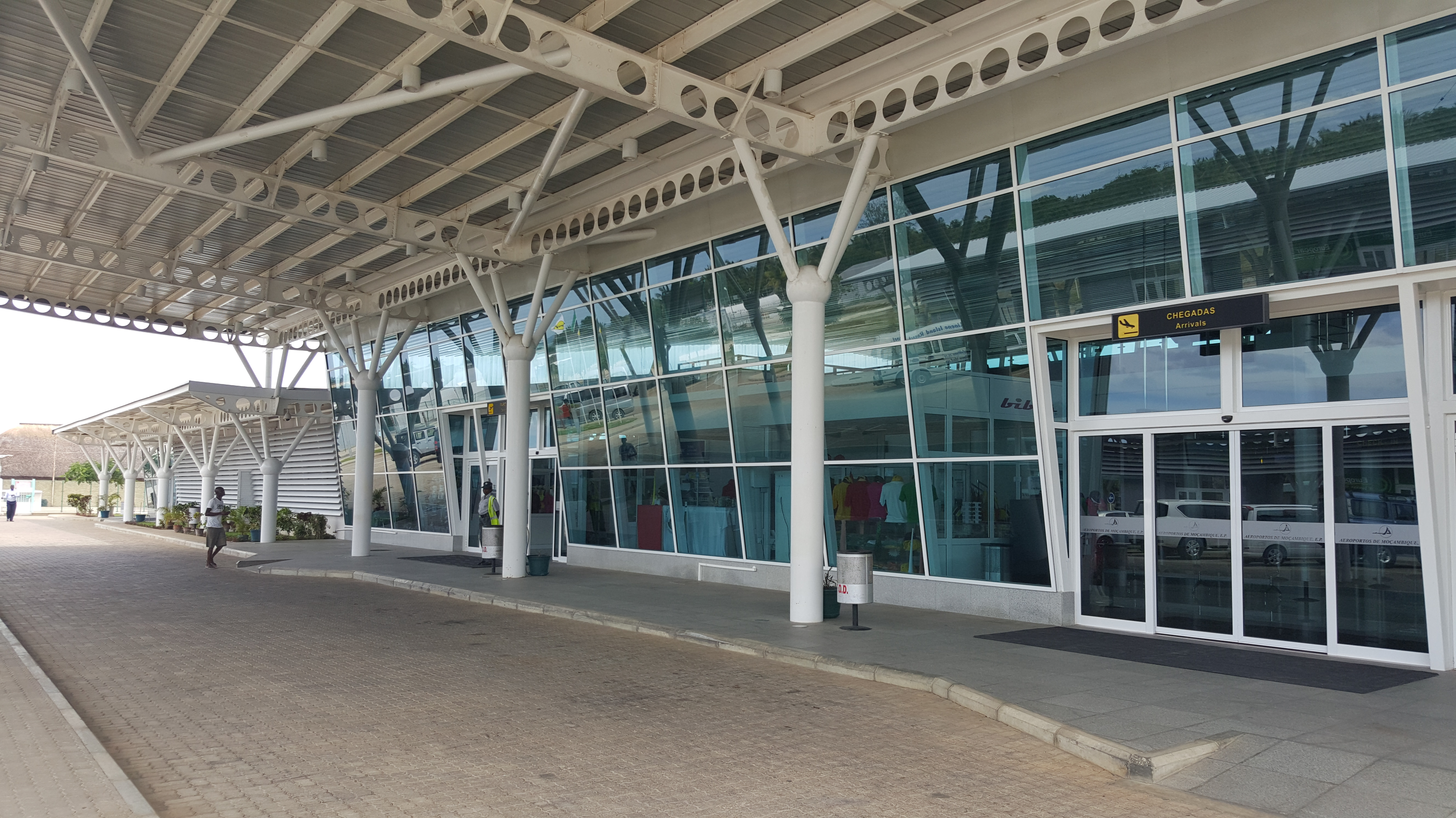 Aeroporto de Vilanculos: novinho em folha (você não esperava isso de Moçambique, né?)